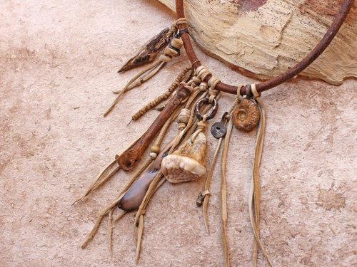Náramky z polodrahokamov a drahých kameňov, na gumičke alebo zapínacie. Ruženín, krištáľ, ametyst, záhneda, tyrkys, malachit...